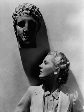 https://imgc.artprintimages.com/img/print/vanity-fair-august-1935_u-l-pep1p80.jpg?p=0