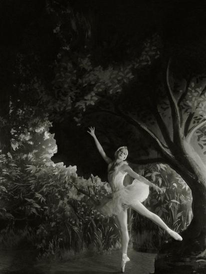 Vanity Fair - December 1935-Cecil Beaton-Premium Photographic Print