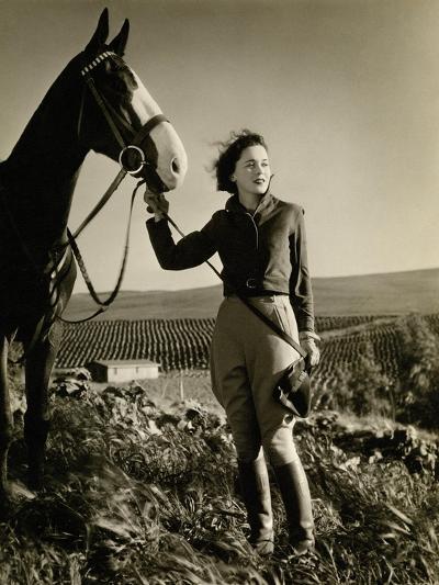 Vanity Fair - July 1933-George Hurrell-Premium Photographic Print