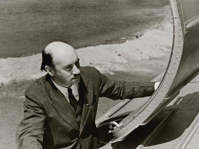 https://imgc.artprintimages.com/img/print/vanity-fair-july-1935_u-l-pep9ad0.jpg?p=0