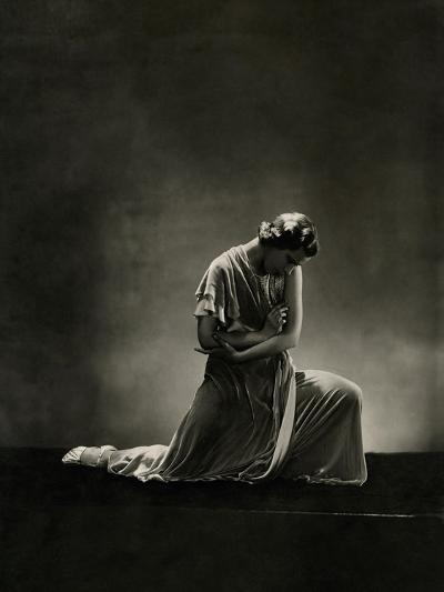 Vanity Fair - November 1931-George Hoyningen-Huen?-Premium Photographic Print