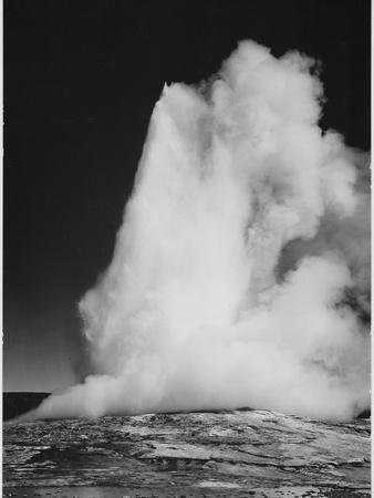 https://imgc.artprintimages.com/img/print/various-angles-during-eruption-old-faithful-geyser-yellowstone-national-park-wyoming-1933-1942_u-l-q19rkm50.jpg?p=0