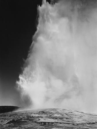 https://imgc.artprintimages.com/img/print/various-angles-during-eruption-old-faithful-geyser-yellowstone-national-park-wyoming-1933-1942_u-l-q19rknc0.jpg?p=0
