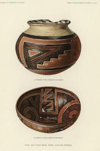 Vase and Food Bowl from Chevlon, Arizona