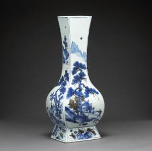 Vase quadrilatéral à décor de personnages et de paysage