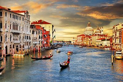 https://imgc.artprintimages.com/img/print/venetian-sunset_u-l-pn3n0a0.jpg?p=0