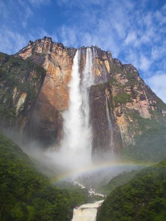 https://imgc.artprintimages.com/img/print/venezuela-guayana-canaima-national-park-view-of-angel-falls-from-mirador-laime_u-l-pfxct00.jpg?p=0