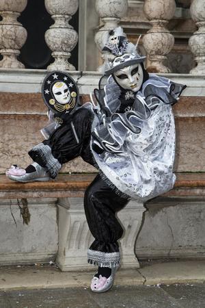https://imgc.artprintimages.com/img/print/venice-italy-mask-and-costumes-at-carnival_u-l-pyp6wo0.jpg?p=0