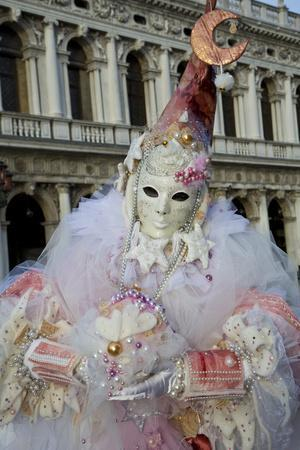 https://imgc.artprintimages.com/img/print/venice-italy-mask-and-costumes-at-carnival_u-l-pypv3g0.jpg?p=0
