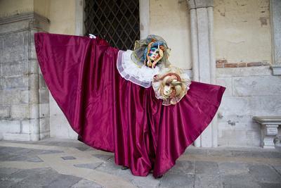https://imgc.artprintimages.com/img/print/venice-italy-mask-and-costumes-at-carnival_u-l-pyq7x80.jpg?p=0