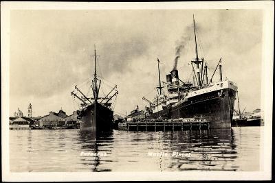 Veracruz Mexiko, Muelle Fiscal, Dampfschiff Leerdam--Giclee Print