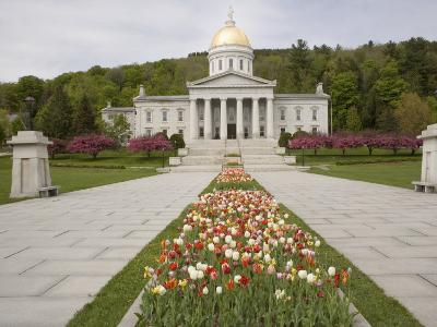 Vermont State Capitol Building, Montpelier, Vermont--Photographic Print