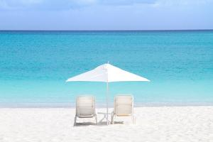 Turks and Caicos Island by Verne Varona