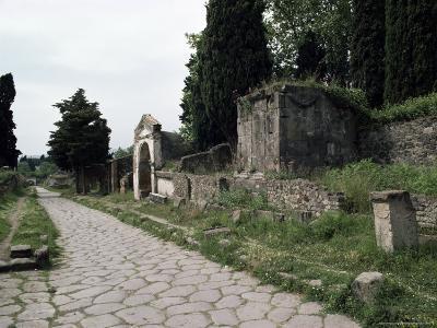 Via Dei Sepolchri, Pompeii, Unesco World Heritage Site, Campania, Italy-Christina Gascoigne-Photographic Print