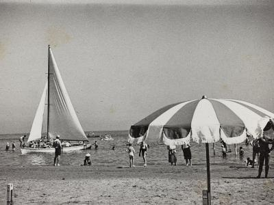 Viaggi Italadria- Rimini: Rimini-Riccione-Cattolica, the Beach--Photographic Print