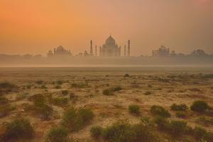 Taj Mahal At Dusk by Vichaya