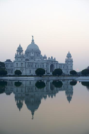 Victoria Memorial, Chowringhee, Kolkata (Calcutta), West Bengal, India, Asia-Bruno Morandi-Photographic Print