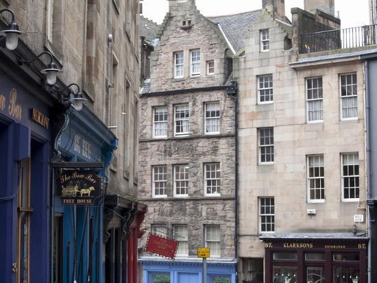 Victoria Street, the Old Town, Edinburgh, Scotland, Uk-Amanda Hall-Photographic Print