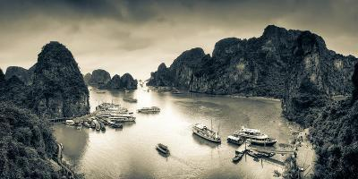 Vietnam, Halong Bay-Michele Falzone-Photographic Print