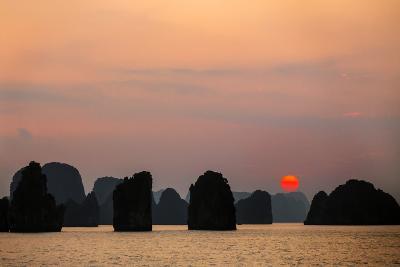 Vietnam, Quang Ninh Province-Nigel Pavitt-Photographic Print