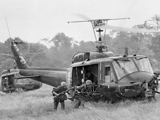 Vietnam War Helicopter Landing-Horst Faas-Photographic Print