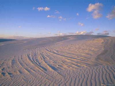 https://imgc.artprintimages.com/img/print/view-at-twilight-of-sand-dunes-in-white-sands-national-monument_u-l-p4mput0.jpg?p=0