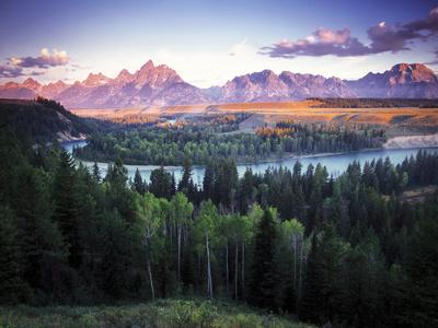 https://imgc.artprintimages.com/img/print/view-from-the-snake-river-overlook-with-the-teton-range-in-the-distance-at-sunrise_u-l-pu76s80.jpg?p=0