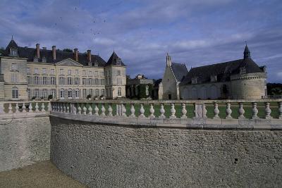 View of Chateau De Montgeoffroy, 1772-1776-Jean Benoit Vincent Barre-Giclee Print