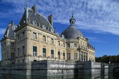 https://imgc.artprintimages.com/img/print/view-of-chateau-of-vaux-le-vicomte-1656-1661_u-l-ppsnbf0.jpg?p=0
