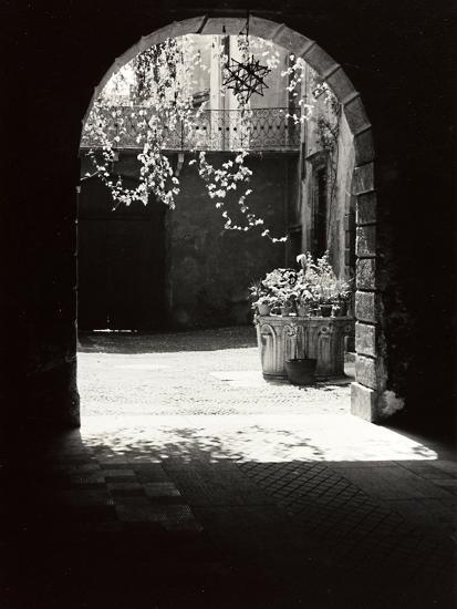 View of Corso Santa Anastasia, Verona-Otto Zenker-Photographic Print