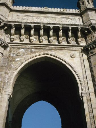 https://imgc.artprintimages.com/img/print/view-of-detail-of-arched-palace-entrance-in-bombay-india_u-l-q10x2u30.jpg?p=0