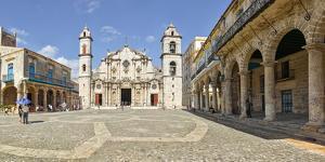 View of Havana Cathedral, Plaza de la Catedral, Havana, Cuba