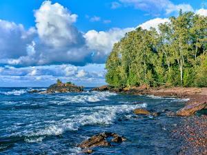 View of lakeshore against cloudy sky, Great Sand Bay, Lake Superior, Keweenaw Peninsula, Upper P...