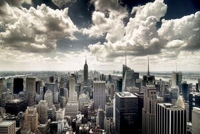 https://imgc.artprintimages.com/img/print/view-of-manhattan-new-york_u-l-q13eee90.jpg?p=0