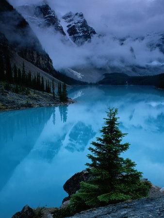 https://imgc.artprintimages.com/img/print/view-of-moraine-lake-with-low-lying-clouds-at-one-end_u-l-p3jb410.jpg?p=0