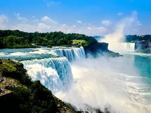 View of the American Falls, Niagara Falls, New York State, USA