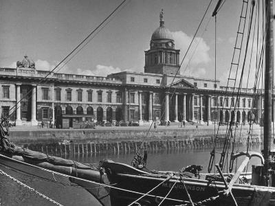 View of the Customs House in Dublin-Hans Wild-Photographic Print