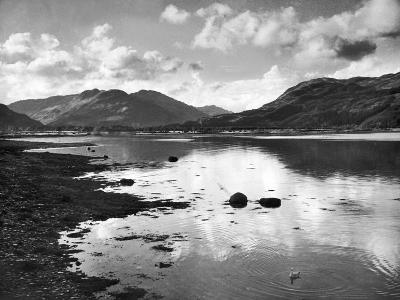 View of the Holy Loch 1947- Mirrorpix-Photographic Print