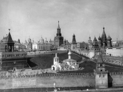 View of the Moscow Kremlin from the Moskva River, Russia, C1908-C1910- Scherer Nabholz & Co-Photographic Print