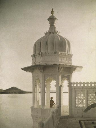 https://imgc.artprintimages.com/img/print/view-of-the-palace-of-maharajas-pond-from-the-isla_u-l-f9i1j40.jpg?p=0