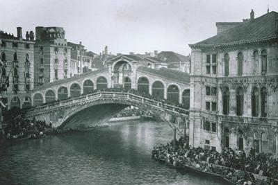 View of the Rialto Bridge