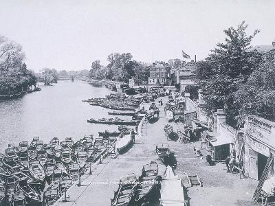 View of the River Thames and Boats, C1900--Giclee Print