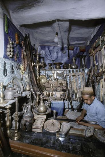 View of traders in an ancient market near San'a-Werner Forman-Giclee Print