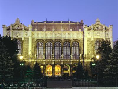 Vigado Concert Hall, Budapest, Hungary-Peter Thompson-Photographic Print