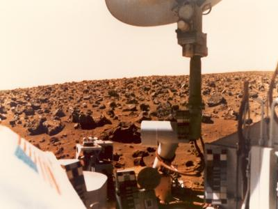 Viking 1 on the Martian Surface on July 24, 1976--Photo