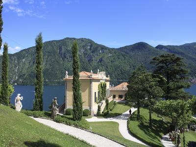 https://imgc.artprintimages.com/img/print/villa-balbianello-lenno-lake-como-lombardy-italy-europe_u-l-pfocjp0.jpg?p=0