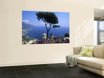 https://imgc.artprintimages.com/img/print/villa-rufolo-ravello-amalfi-coast-italy_u-l-pfguos0.jpg?p=0