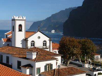 https://imgc.artprintimages.com/img/print/village-church-at-ponta-delgada-madeira_u-l-q10899y0.jpg?p=0