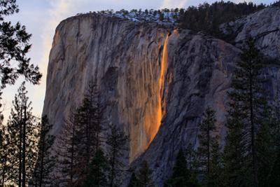 Firefall Magic South View 2016, Horsetail Falls, Yosemite National Park by Vincent James