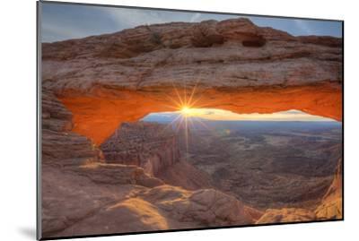 Morning Sun at Mesa Arch, Canyonlands, Southern Utah by Vincent James